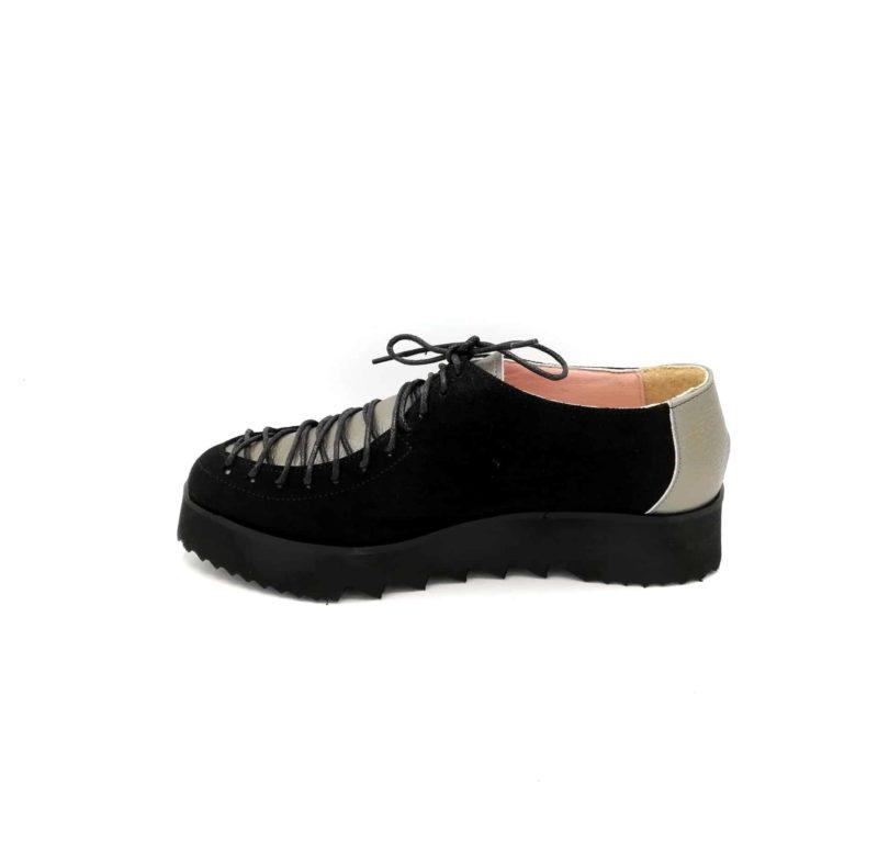 Pantofi negri-argintii din piele naturala cu velur