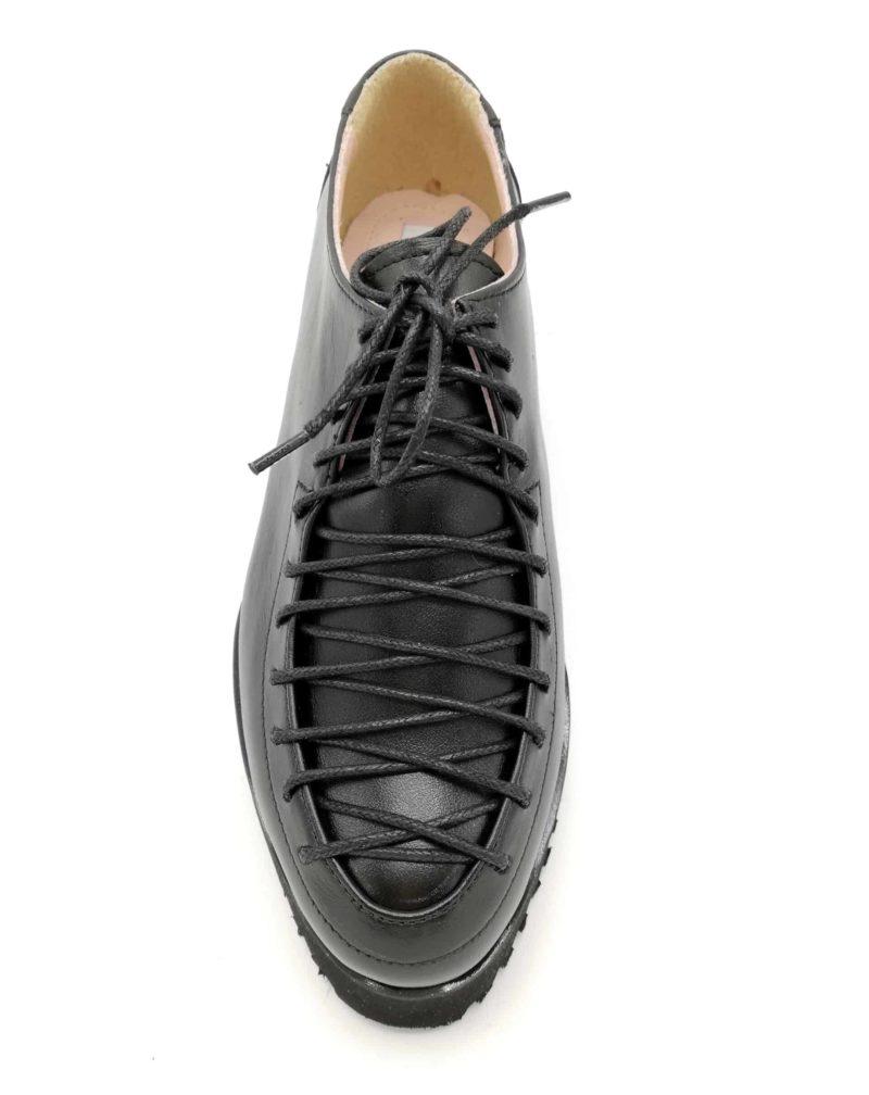 Pantofi negri din piele naturala cu sireturi