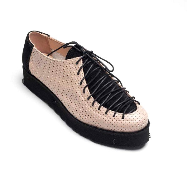 Pantofi nude din piele naturala perforata