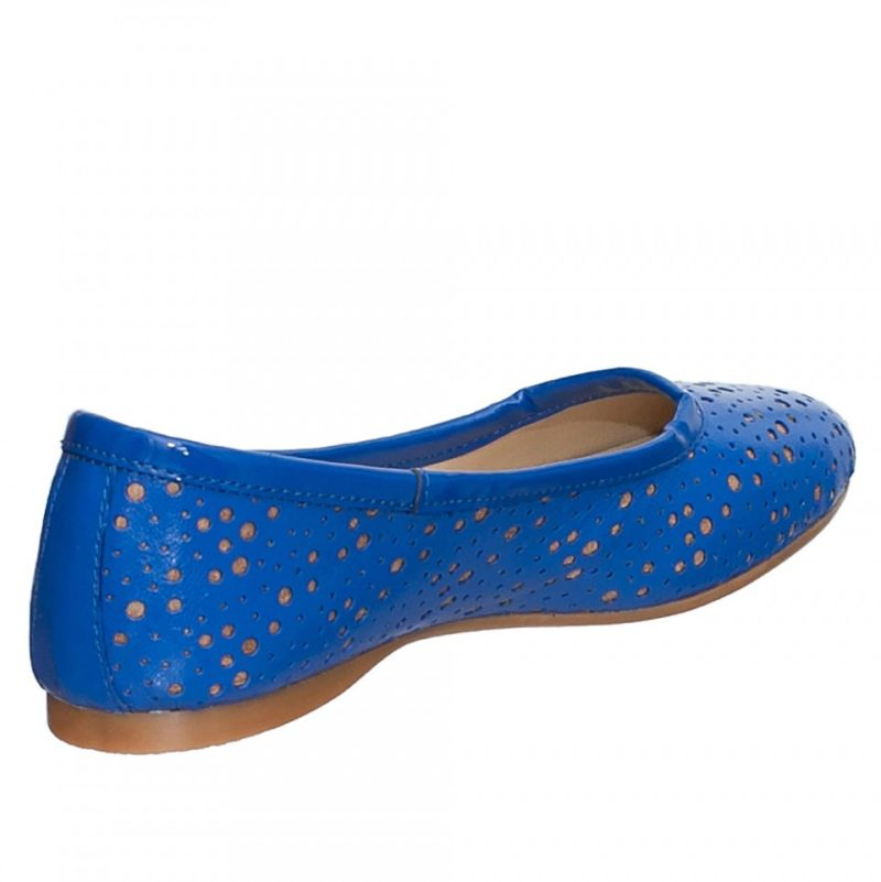 Balerini albastri din piele naturala perforata